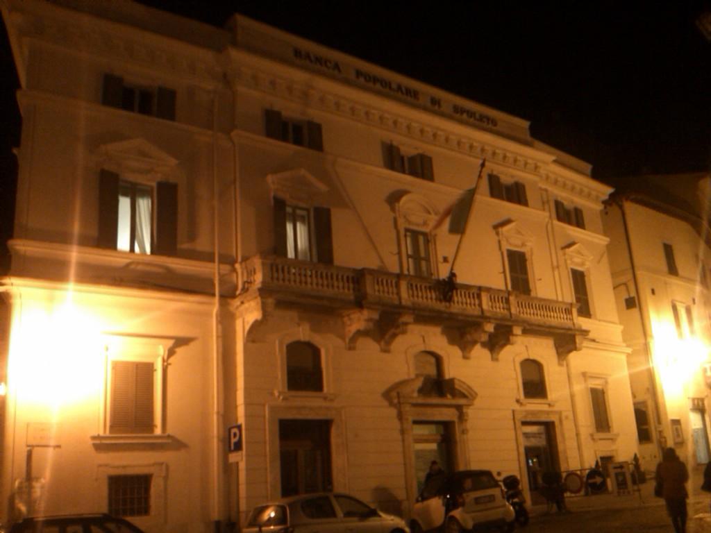 bps_popolare_spoleto_notte