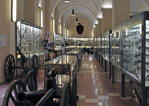 Terni-museo-militare-sala-1