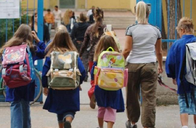 Approvato il decreto scuola, maturità senza scritti se non si torna. Tutti gli altri saranno ammessi all'anno successivo.