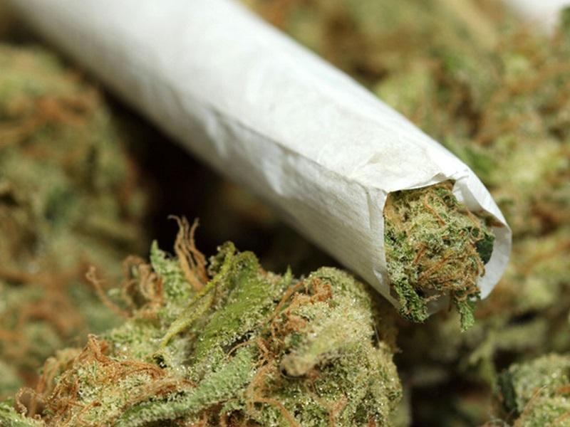 Foligno, dimentica un chilo di marijuana in treno: arrestato 26enne nigeriano