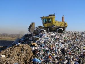 Una-discarica-di-rifiuti