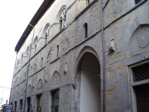 Palazzo_del_Podestà-Città_di_Castello_1