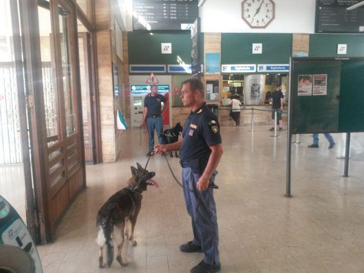 controlli stazione polizia