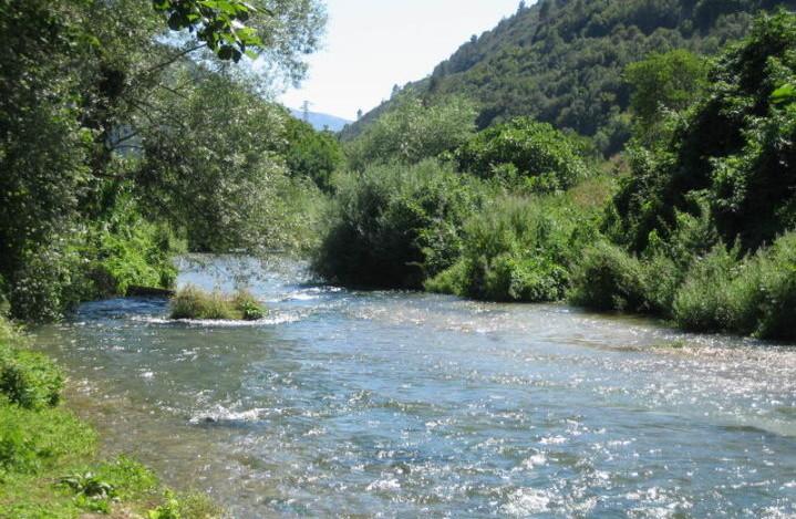 Dal fiume Nera affiora cadavere di donna, indagini