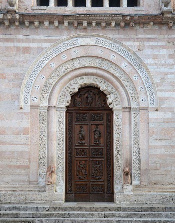 Porta-Cattedrale-Foligno-Giubileo