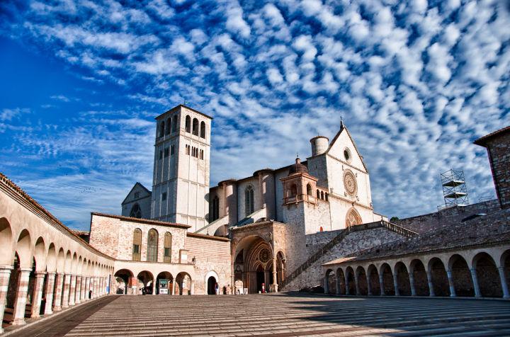 Basilica-Papale-San-francesco-di-Assisi1