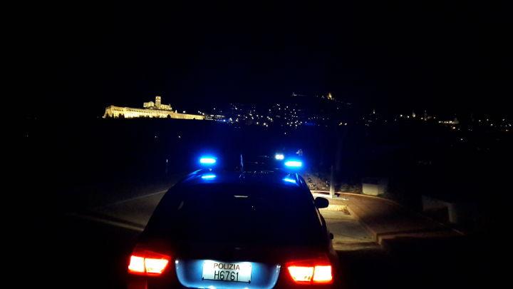 Assisi, denunciato per evasione minaccia gli agenti di polizia e finisce in carcere