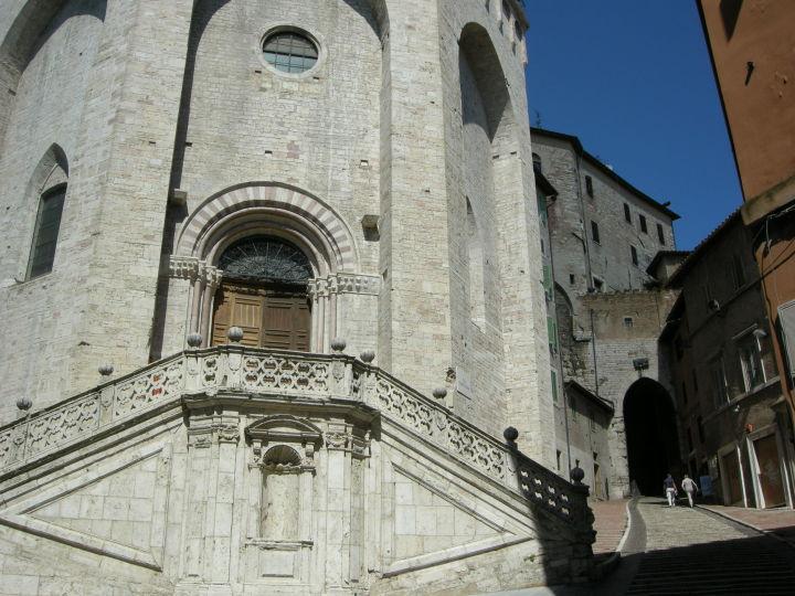 Perugia,_sant'ercolano_e_porta
