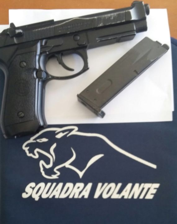 pistola squadra volante terni