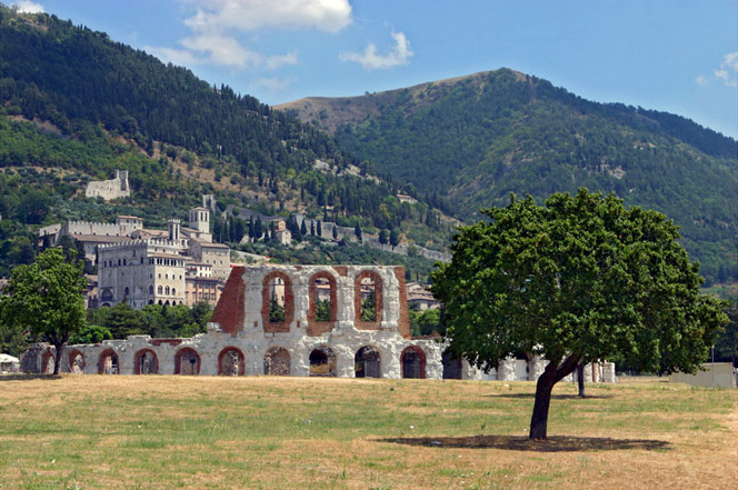 teatro-romano-gubbio-12