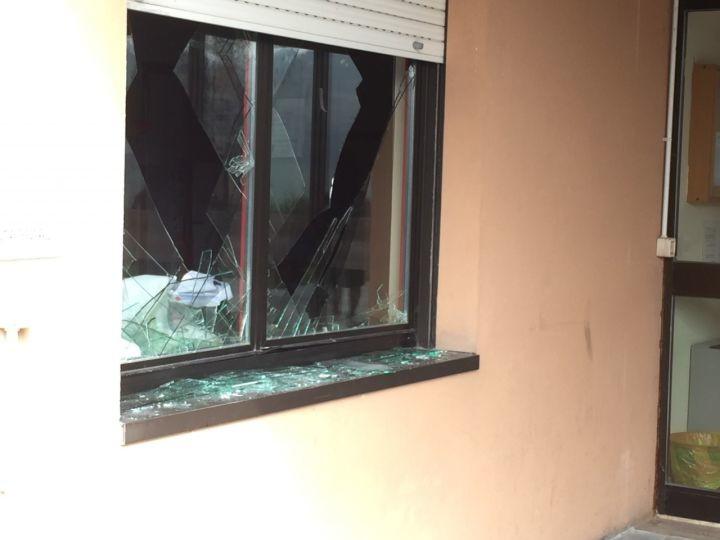 finestra rotta furto