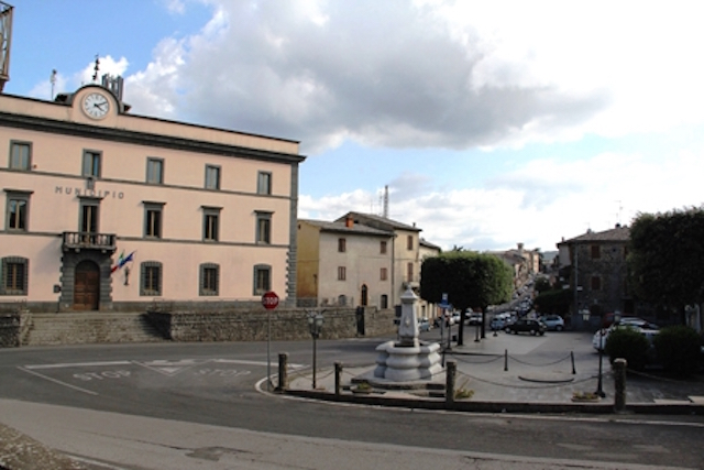 castelgiorgio_piazza_comune