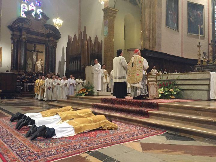 ordinazione sacerdotale in san lorenzo foto 1