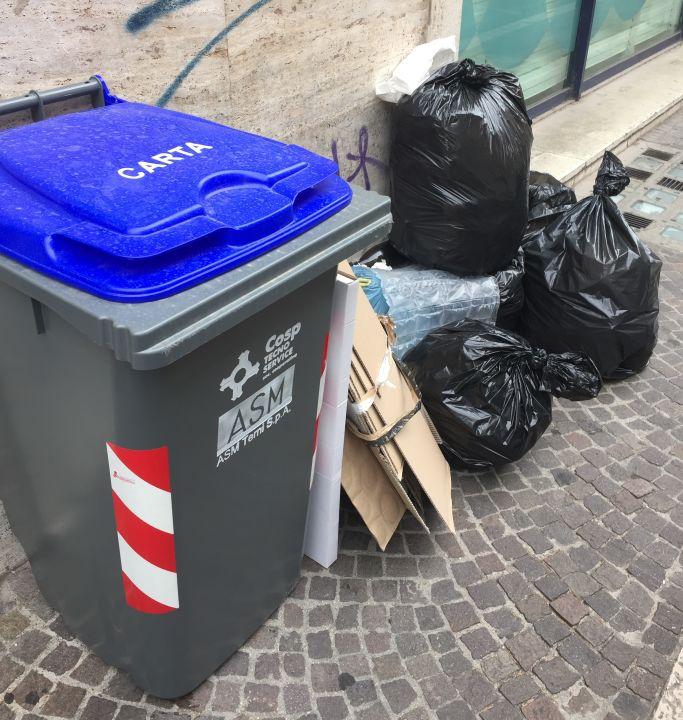 spazzatura Terni raccolta differenziata rifiuti