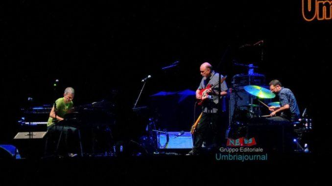 John-Scofield-Brad-Mehldau-e-Mark-Guiliana-ad-Umbria-Jazz-678x381