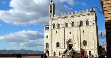 Gubbio_-_palazzo_dei_Consoli
