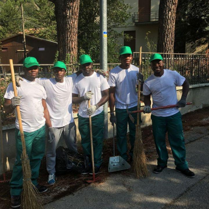 Foligno profughi fanno manutenzione del verde nelle frazioni - Manutenzione caldaia umbria ...
