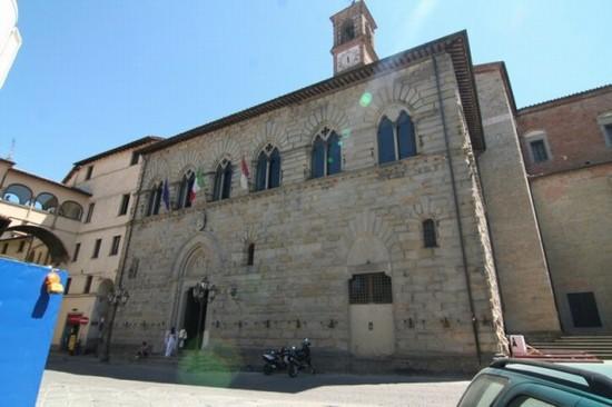 Città di Castello, ok alla variazione di bilancio di 430mila euro: si parla anche della tassa di soggiorno