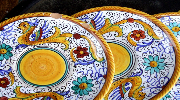 Ceramica tarocca, il tribunale condanna anche il venditore - Umbria ...