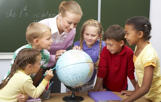 bambini-scuola-5-anni-e-mezzo-pro-contro-scelta-genitori