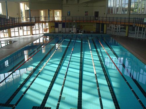 Gubbio nuovo sollevatore per disabili alla piscina - Sollevatore piscina per disabili ...
