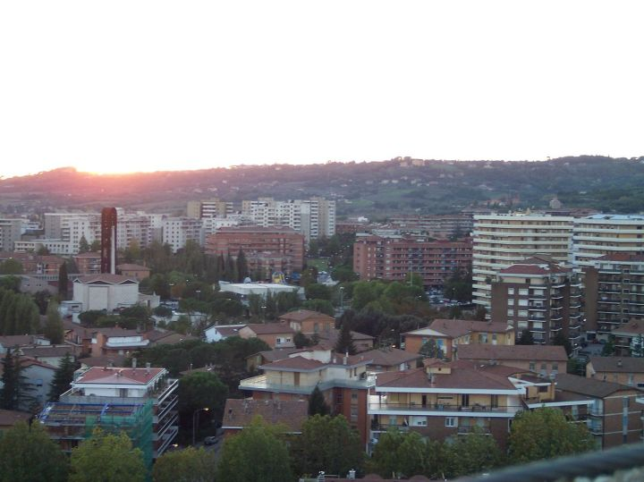 1200px-Ponte_san_giovanni_vista_pastificio