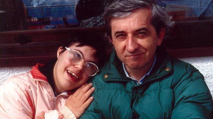 Vittorio-Trancanelli-con-la-piccola-Alessandra-una-delle-creature-adottate-678x381
