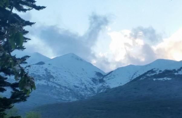 In Umbria freddo e prima neve  sulla cima del Vettore. Termometro sotto 8 gradi a Perugia.