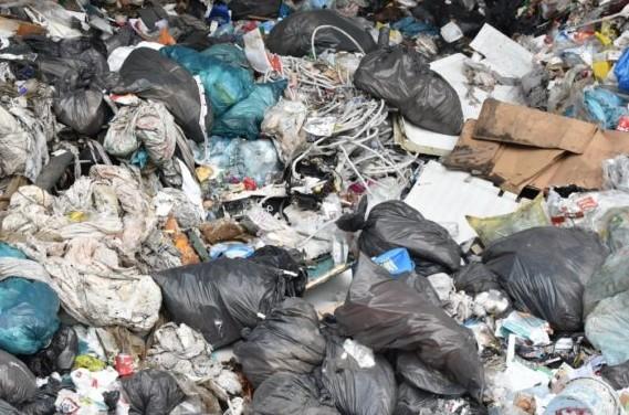 Spoleto, quintali di rifiuti abbandonati nei boschi: maximulta per una imprenditrice