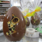 Perugia, così nasce l'uovo artigianale nel centro della città