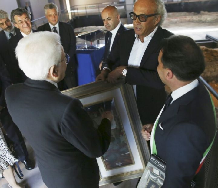 Dono presidente Mattarella1