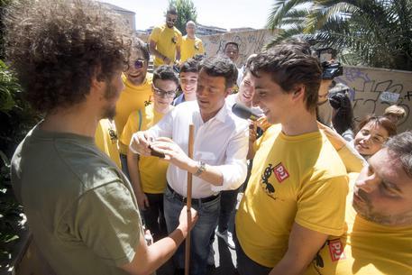 magliette gialle renzi