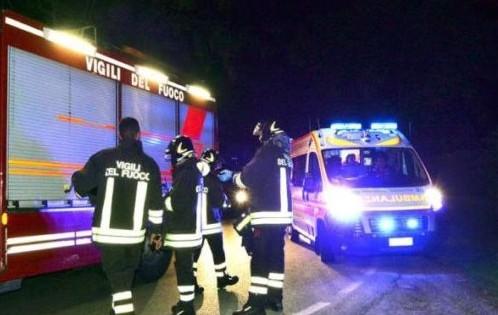 vigili-del-fuoco-e-ambulanza-di-notte-800_01-678x381