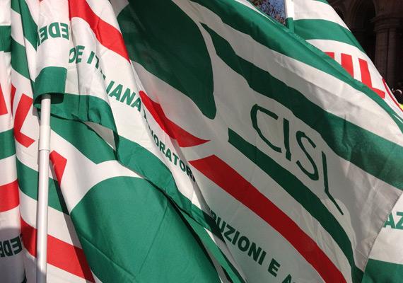 generica-bandiere-cisl