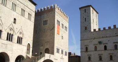 Piazza-del-Popolo Todi