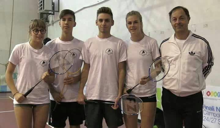 foto torneo badminton