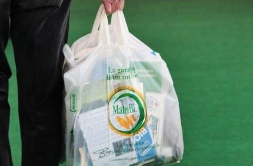 sacchetti-biodegradabili-a-pagamento-740x345.jpg.pagespeed.ce.sV-ksNieJ-
