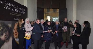 """Perugia, inaugurata la mostra """"Da Raffaello a Canova, da Valadier a Balla"""""""