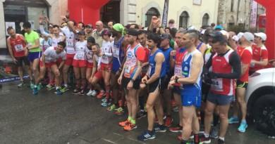 La partenza del Giro dell'Umbria di Podismo a Gualdo Tadino