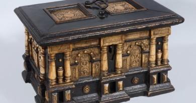 Scatola in legno ebanizzato del 1500