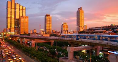 Bangkok_skytrain_sunset