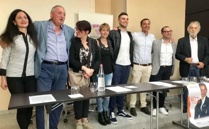 il candidato a sindaco Cristian Betti con alcuni candidati