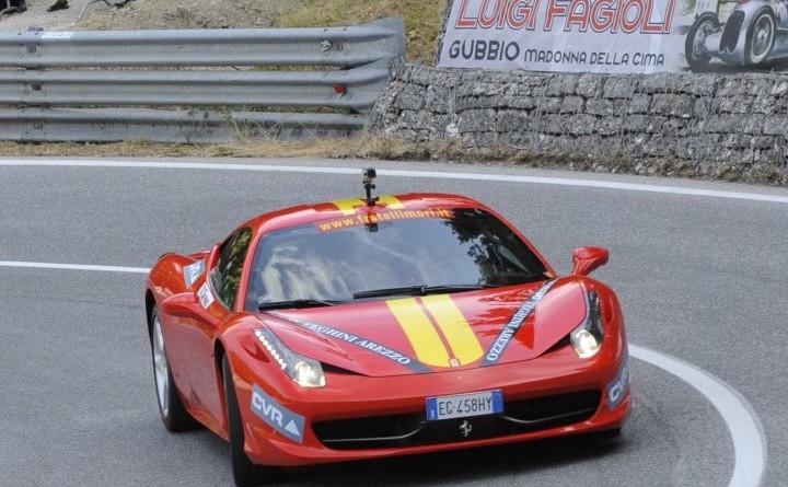 Spettacolare anche il tributo Ferrari al Trofeo Fagioli Photostudio