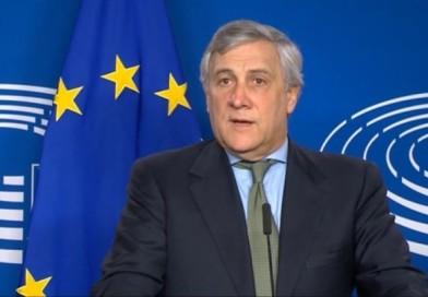 Norcia, il presidente Tajani accende la fiaccola benedettina