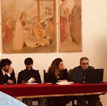 il tavolo dei relatori(0)