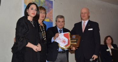 La consegna del Premio Melvin Jones al direttore Pierluigi Mingarelli