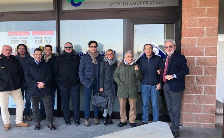 I vertici di Bcc Umbria con i commercianti del centro di Pineta
