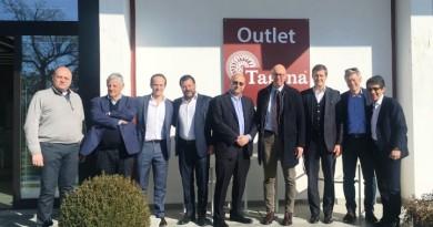 La visita degli investitori stranieri a Tagina, con il Sindaco Presciutti, Borgomeo di Saxa Gres e Donati di Tagina