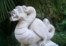 La statua del Thyrus sfregiata da vandali