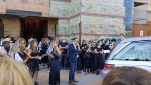 In tanti a Solomeo a dare l'ultimo saluti a Carlotta Martellini